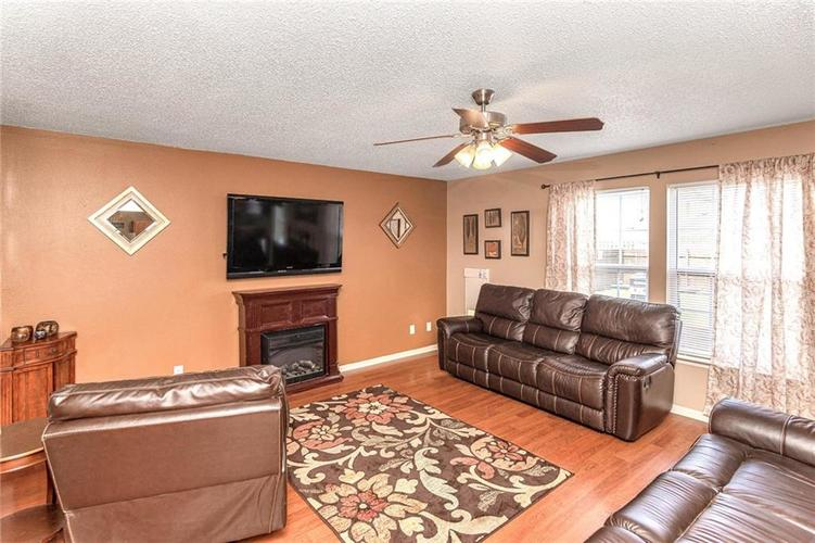 8724 BLOOMING GROVE Drive Camby IN 46113 | MLS 21708382 | photo 7
