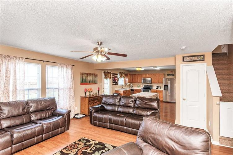 8724 BLOOMING GROVE Drive Camby IN 46113 | MLS 21708382 | photo 8