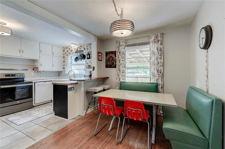 2028 Burch Drive Indianapolis IN 46220 | MLS 21708450 | photo 10
