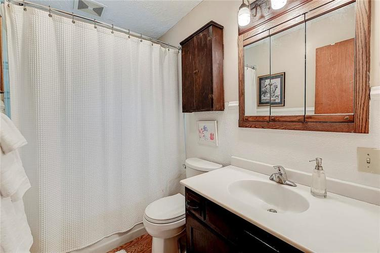 2028 Burch Drive Indianapolis IN 46220 | MLS 21708450 | photo 15
