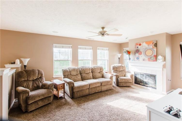 15543 BETHESDA Circle Westfield IN 46074 | MLS 21708500 | photo 5