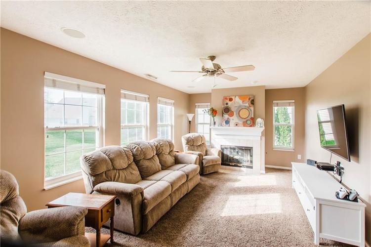 15543 BETHESDA Circle Westfield IN 46074 | MLS 21708500 | photo 6