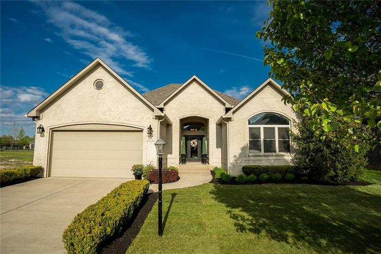 6623 Stone Pointe Way Indianapolis IN 46259   MLS 21708504   photo 1