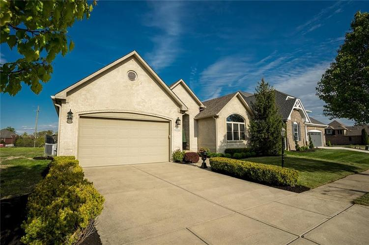 6623 Stone Pointe Way Indianapolis IN 46259   MLS 21708504   photo 2