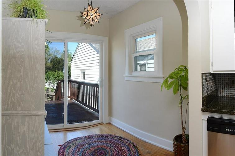 6042 Kingsley Drive Indianapolis IN 46220 | MLS 21708573 | photo 12