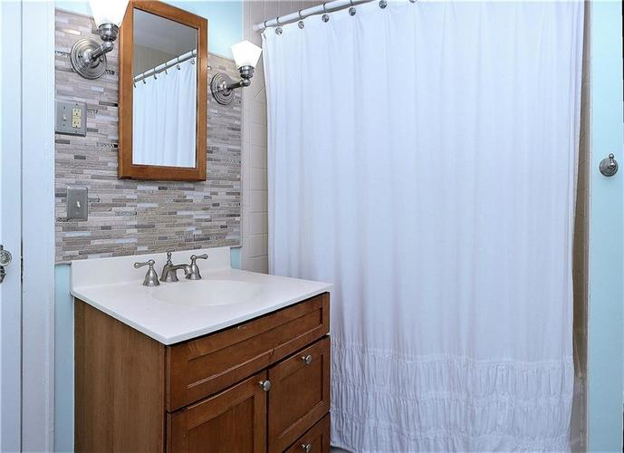 6042 Kingsley Drive Indianapolis IN 46220 | MLS 21708573 | photo 18