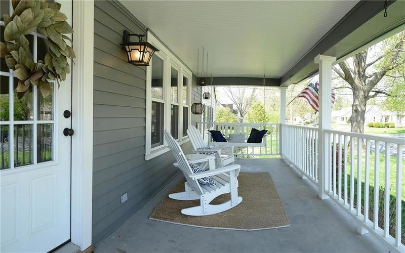6042 Kingsley Drive Indianapolis IN 46220 | MLS 21708573 | photo 2