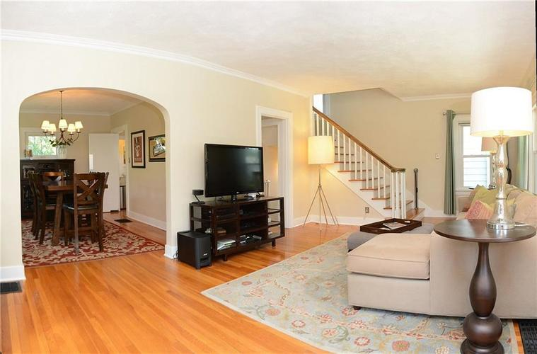 6042 Kingsley Drive Indianapolis IN 46220 | MLS 21708573 | photo 4