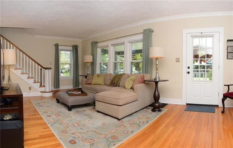 6042 Kingsley Drive Indianapolis IN 46220 | MLS 21708573 | photo 6