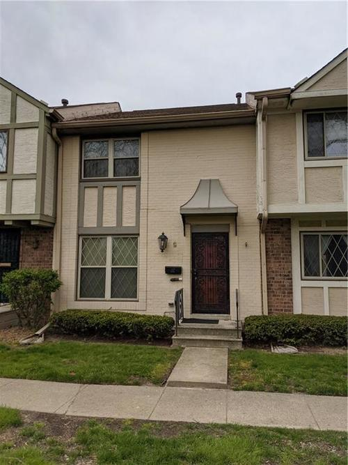 8021 E 20TH Street Indianapolis IN 46219   MLS 21708585   photo 1