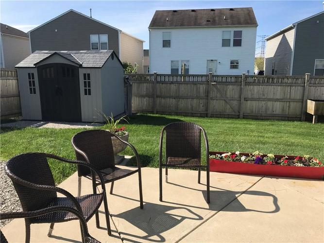 000 Confidential Ave.Indianapolis IN 46235 | MLS 21708712 | photo 4