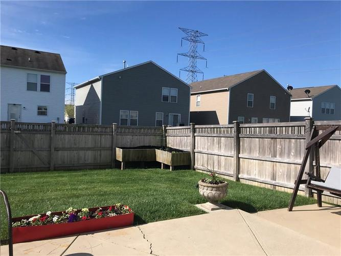 000 Confidential Ave.Indianapolis IN 46235 | MLS 21708712 | photo 7