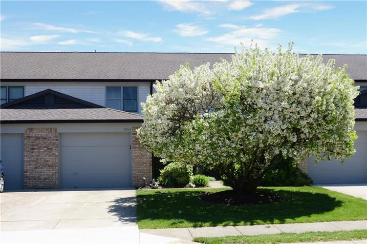9243 Backwater Drive Indianapolis IN 46250 | MLS 21708839 | photo 1