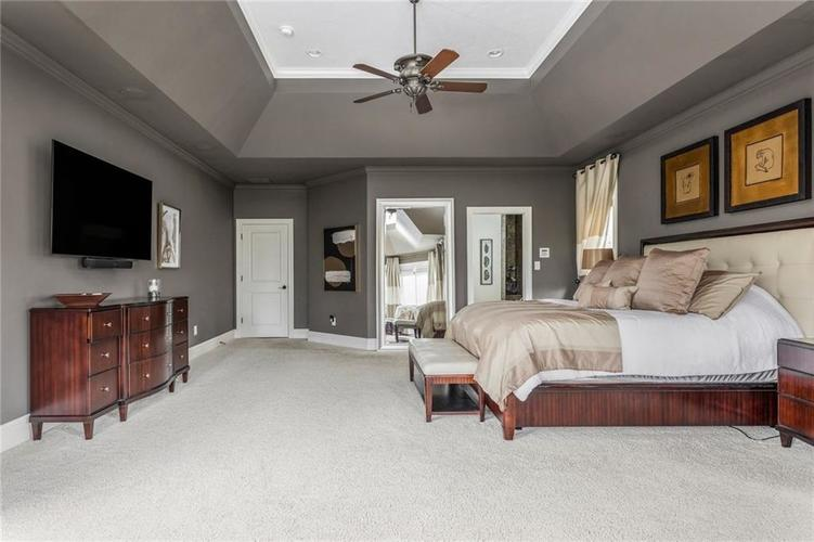 13723 Coldwater Drive Carmel IN 46032 | MLS 21709155 | photo 24