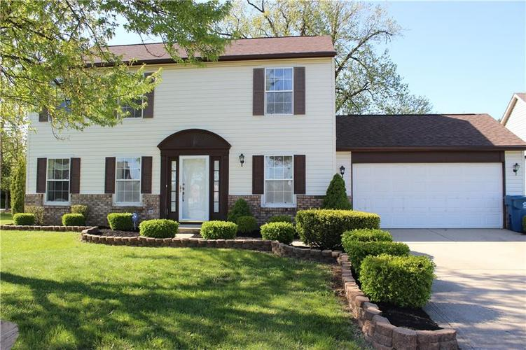 4534 Hunt Master Court Indianapolis IN 46268   MLS 21709203   photo 1