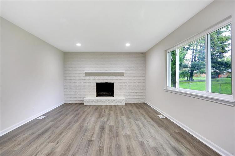 1305 N Gibson Avenue Indianapolis IN 46219 | MLS 21709210 | photo 10