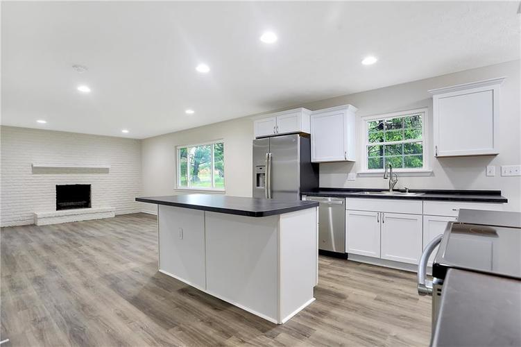 1305 N Gibson Avenue Indianapolis IN 46219 | MLS 21709210 | photo 11