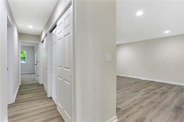 1305 N Gibson Avenue Indianapolis IN 46219 | MLS 21709210 | photo 14