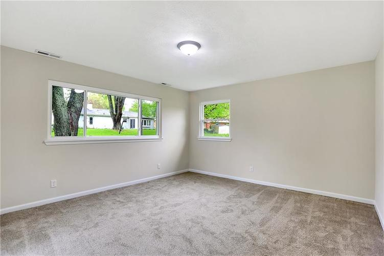 1305 N Gibson Avenue Indianapolis IN 46219 | MLS 21709210 | photo 15