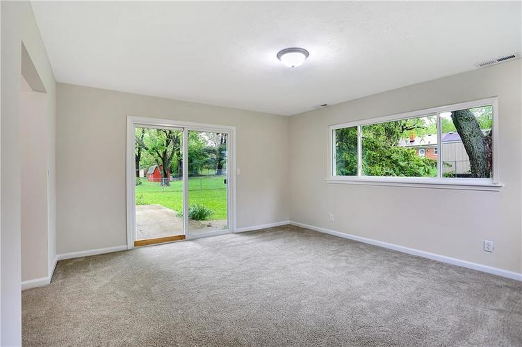 1305 N Gibson Avenue Indianapolis IN 46219 | MLS 21709210 | photo 17