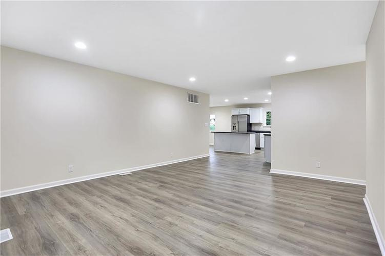 1305 N Gibson Avenue Indianapolis IN 46219 | MLS 21709210 | photo 2