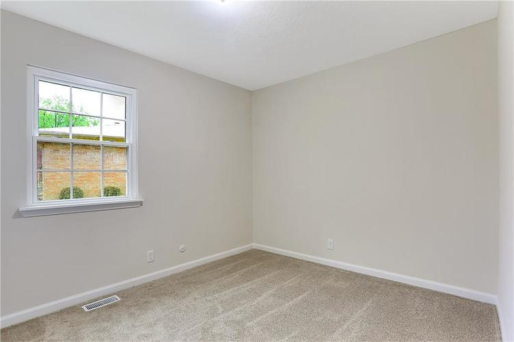 1305 N Gibson Avenue Indianapolis IN 46219 | MLS 21709210 | photo 20
