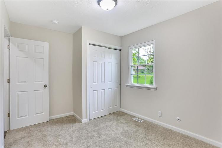 1305 N Gibson Avenue Indianapolis IN 46219 | MLS 21709210 | photo 21