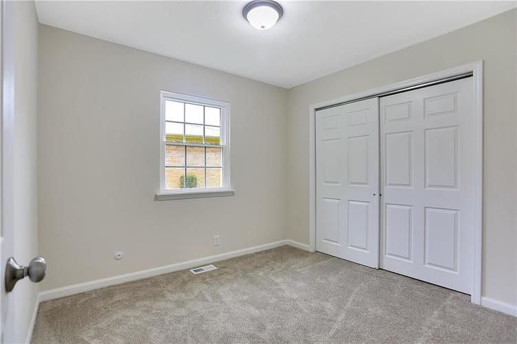 1305 N Gibson Avenue Indianapolis IN 46219 | MLS 21709210 | photo 23