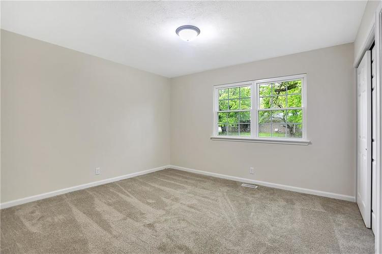 1305 N Gibson Avenue Indianapolis IN 46219 | MLS 21709210 | photo 24