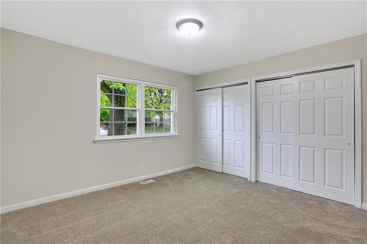 1305 N Gibson Avenue Indianapolis IN 46219 | MLS 21709210 | photo 25