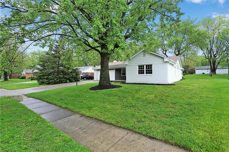 1305 N Gibson Avenue Indianapolis IN 46219 | MLS 21709210 | photo 32
