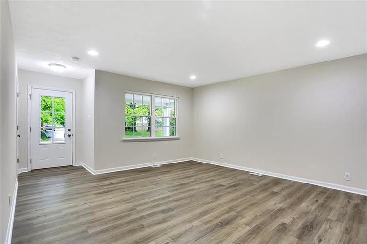 1305 N Gibson Avenue Indianapolis IN 46219 | MLS 21709210 | photo 4