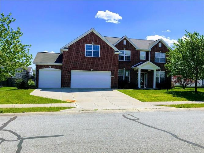 9709 Brook Meadow Drive McCordsville IN 46055 | MLS 21709255 | photo 4
