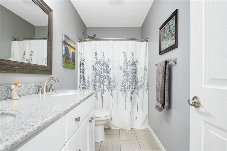 7310 Hartington Place Indianapolis IN 46259 | MLS 21709278 | photo 24