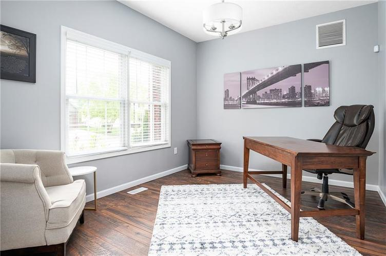 7310 Hartington Place Indianapolis IN 46259 | MLS 21709278 | photo 4