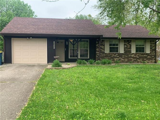 8909 Depot Drive Indianapolis IN 46217 | MLS 21709361 | photo 1