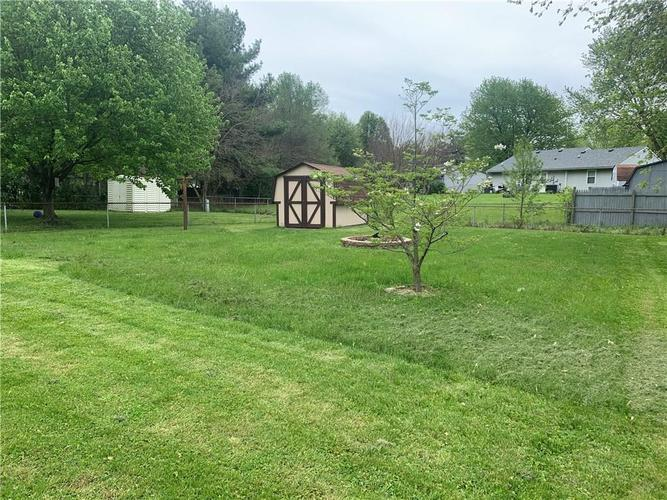 8909 Depot Drive Indianapolis IN 46217 | MLS 21709361 | photo 29