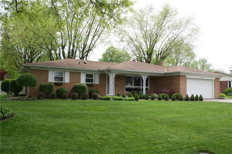 6801 Castle Manor Drive Indianapolis IN 46214 | MLS 21709374 | photo 1