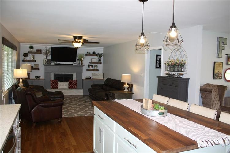 6801 Castle Manor Drive Indianapolis IN 46214 | MLS 21709374 | photo 13