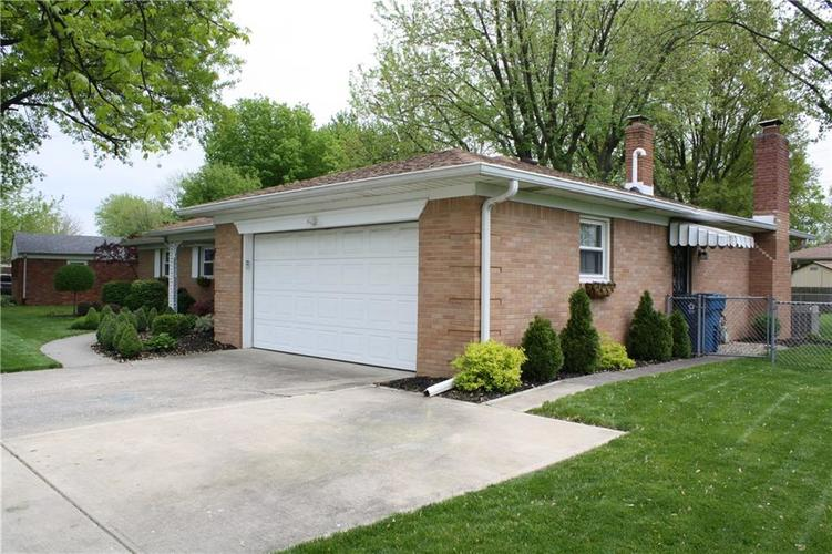 6801 Castle Manor Drive Indianapolis IN 46214 | MLS 21709374 | photo 33