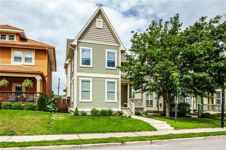 2252 Central Avenue Indianapolis IN 46205 | MLS 21709401 | photo 1