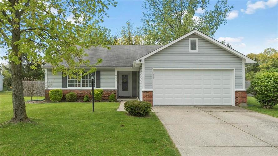 8029 CHRISTIANA Way Indianapolis IN 46256 | MLS 21709423 | photo 1
