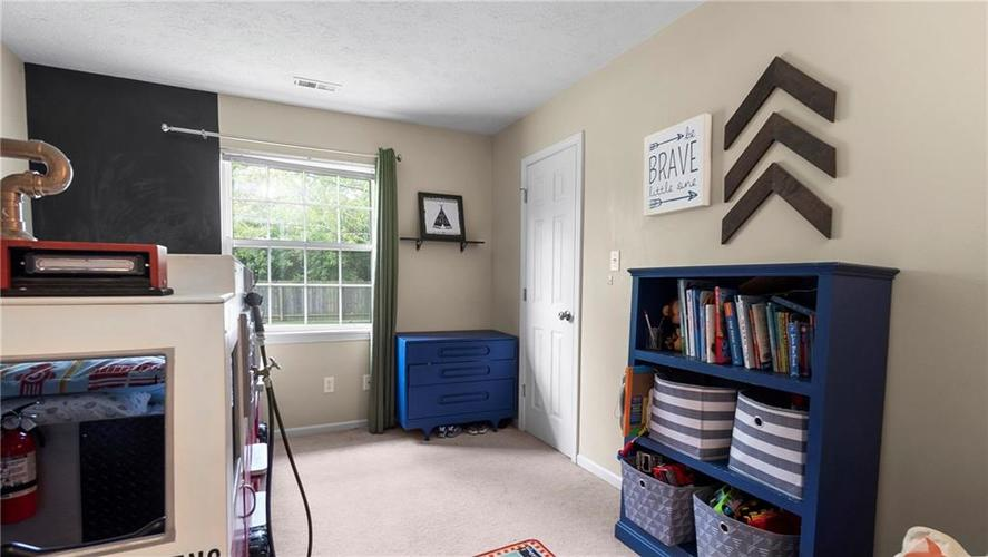 8029 CHRISTIANA Way Indianapolis IN 46256 | MLS 21709423 | photo 16
