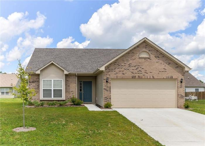 4348 Ringstead Way Indianapolis IN 46235 | MLS 21709459 | photo 1