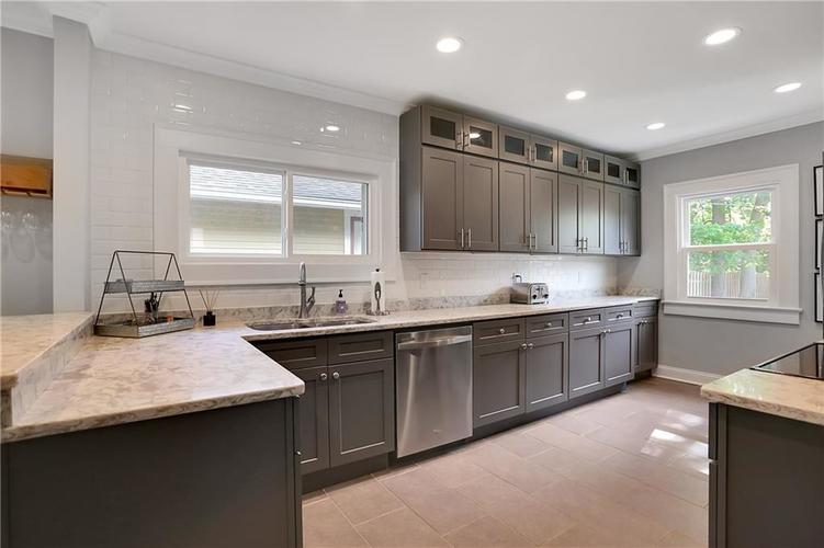 4924 Guilford Avenue Indianapolis IN 46205 | MLS 21709461 | photo 14