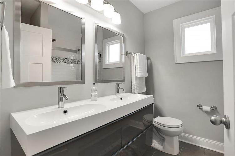4924 Guilford Avenue Indianapolis IN 46205 | MLS 21709461 | photo 24