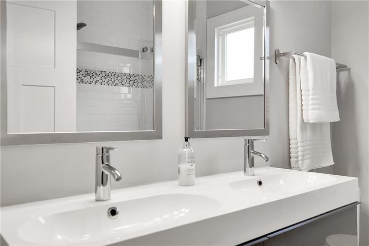 4924 Guilford Avenue Indianapolis IN 46205 | MLS 21709461 | photo 25