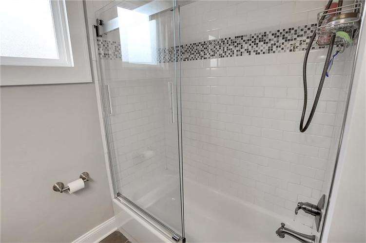 4924 Guilford Avenue Indianapolis IN 46205 | MLS 21709461 | photo 26