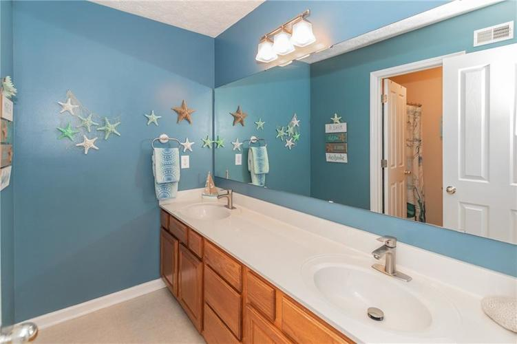 9103 Iris Lane Zionsville IN 46077 | MLS 21709489 | photo 26