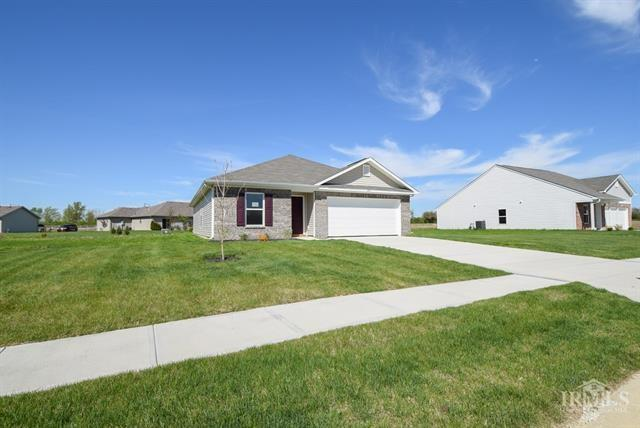 1108 W Nature Pointe Lane Muncie IN 47304 | MLS 21709521 | photo 1